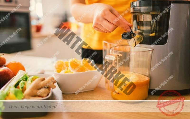 Cara Menggunakan Juicer Jeruk Komersial