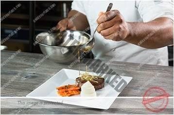 Cara menyajikan masakan gaya klasik 6