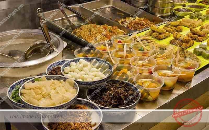 Konsep rumah makan prasmanan buffet internasional